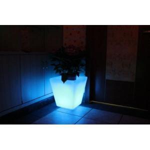 Macetero luminoso LED 40x40x41 de Pools and Tools