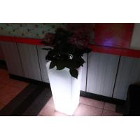 Macetero luminoso LED 32x32x74 de Pools and Tools